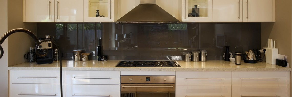 Choosing-The-Best-Colour-For-Your-Kitchen-Splashback