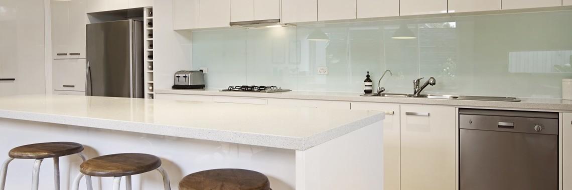 Keeping-Your-Kitchen-Splashback-Clean