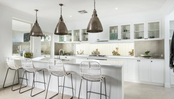 Hamptons-Kitchen-Plunkett-Homes-1410x987