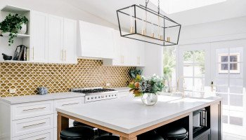 How to choose your kitchen splashback colour